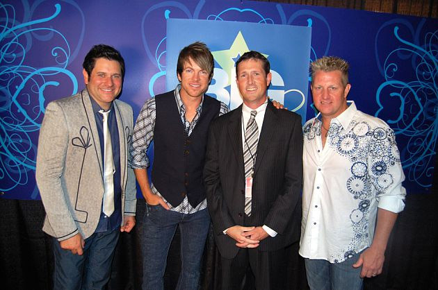 Jon Petz with Rascal Flatts